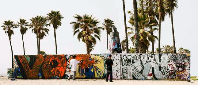 © Gudrun Kemsa - Urban stage - Venice Beach 7, 2009, Color Print, 86 x 198 cm